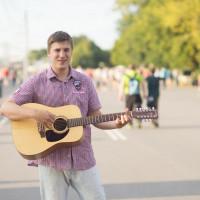 Гитарист певец Тимур